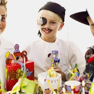 article-new-ehow-images-a07-jj-dc-pirate-parties-kids-800x800