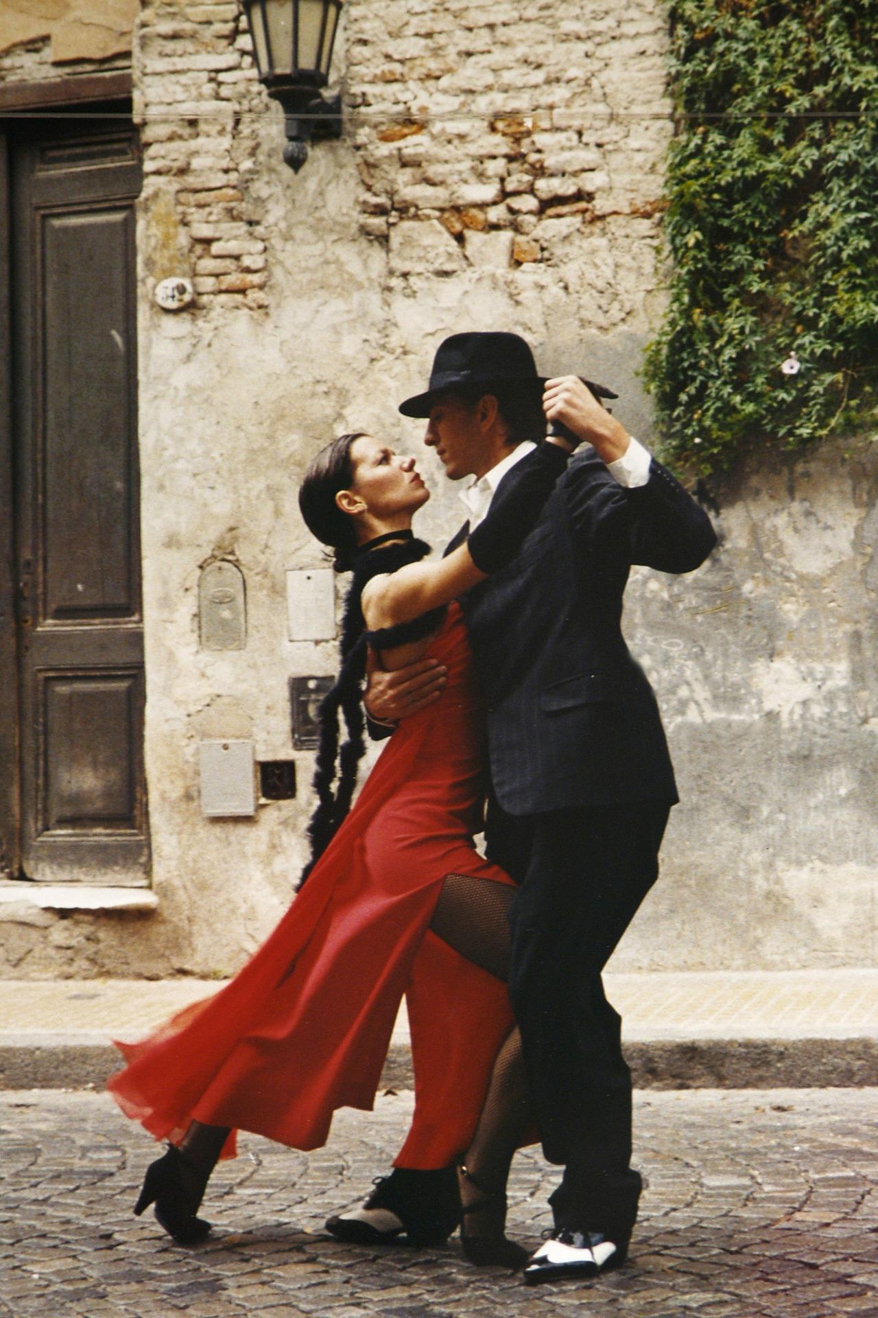 tango-190026_1920